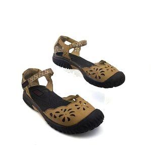 Jambu  leather  laser cut closed toe sandal sz 9
